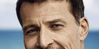 Best Tony Robbins Courses & Programs Reviews