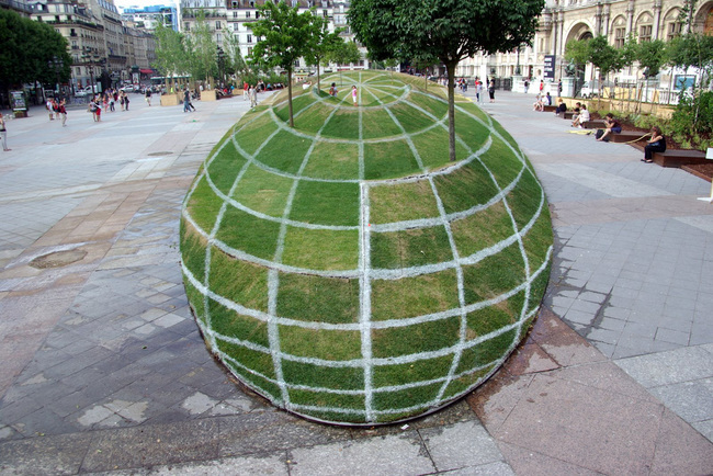 Paris World Globe in Park - 3D Perspective Illusions - Street Art
